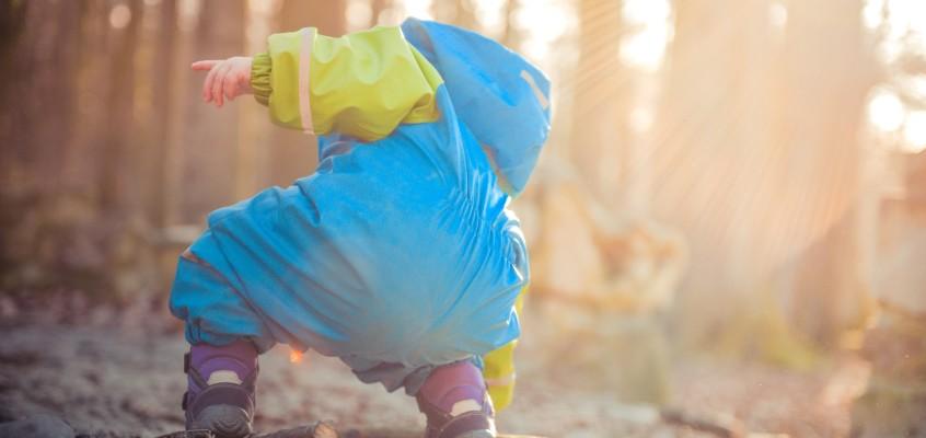 Опасности лесной прогулки: советы маме, как оградить малыша от укусов клещей