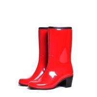 Женские сапоги Nordman Bellina укороченные с мехом на каблуке, красные